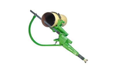01/2013: Rechtwinklige und horizontale Schnitte an ausgehärtetem Kunststoff aus Rohrleitungssystemen